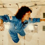 1024px-Christa_McAuliffe_Experiences_Weightlessness_During_KC-135_Flight_-_GPN-2002-000149